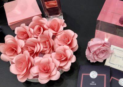 Atelier créatif confection de rose papier Le bon Marché Rive Gauche
