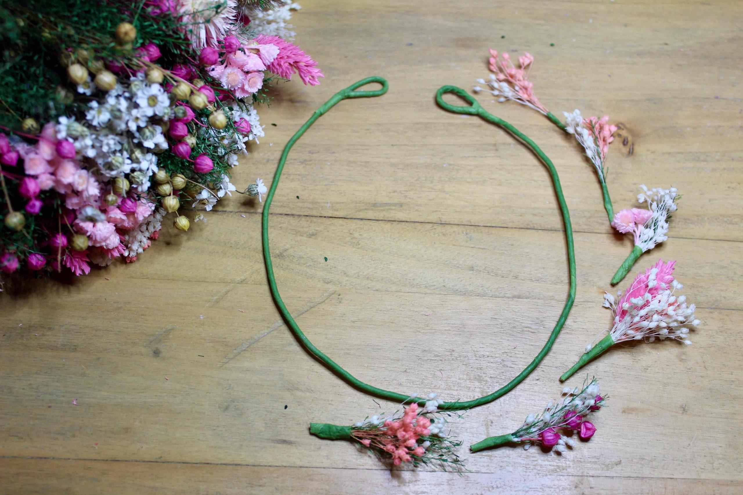 tutoriel DIY couronne de fleurs secheees les petits bouquets