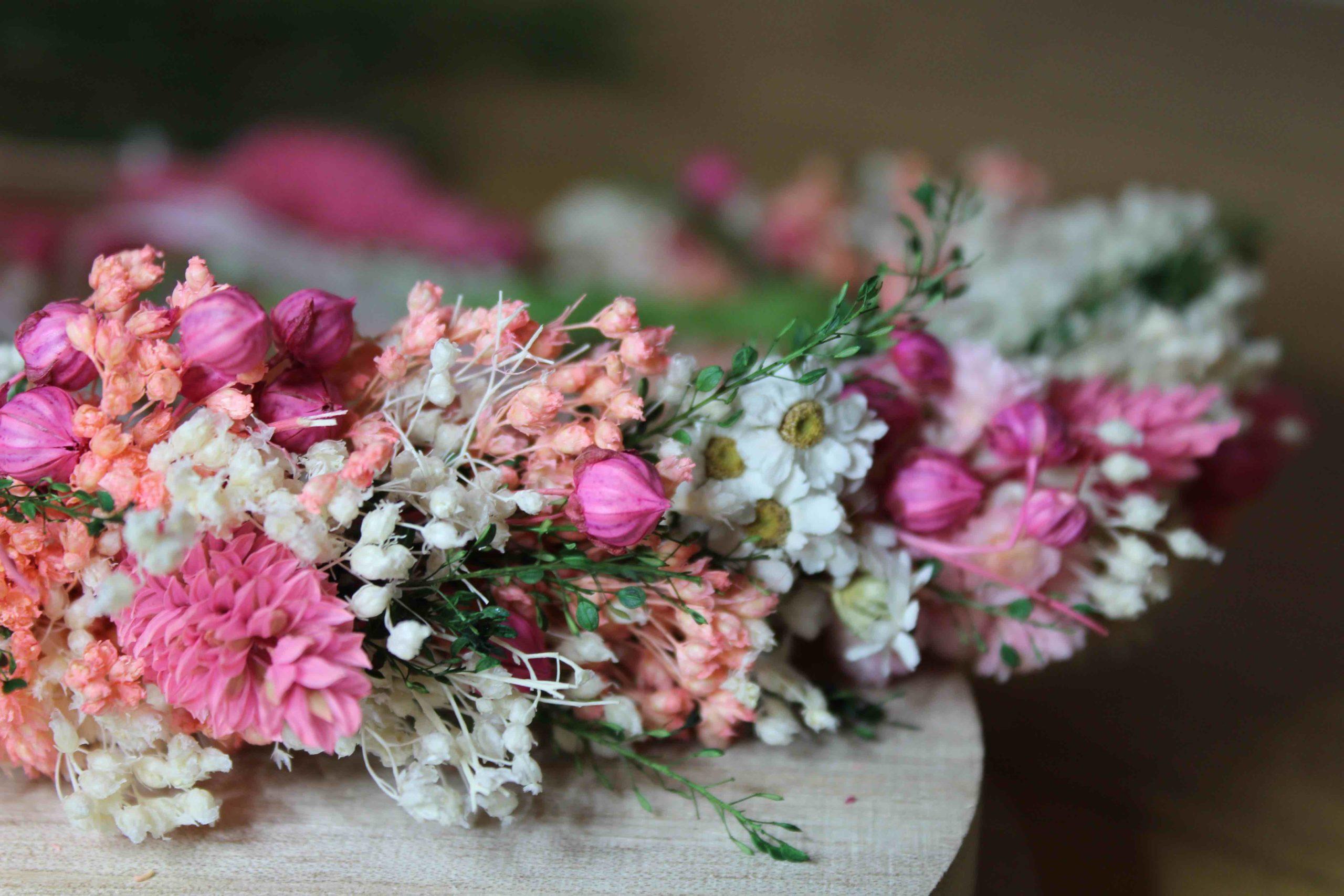 tutoriel couronne de fleurs sechees diy finie